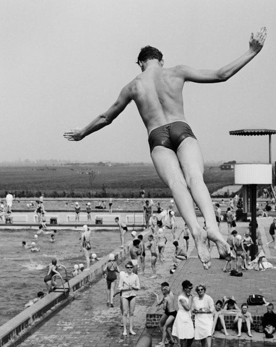 Zwembad, Ed van Wijk