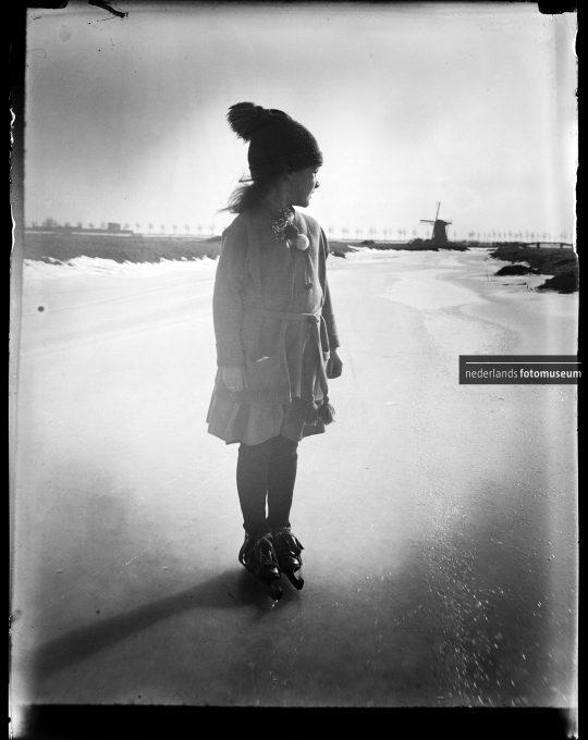 Liza op schaatsen, Katharina Behrend