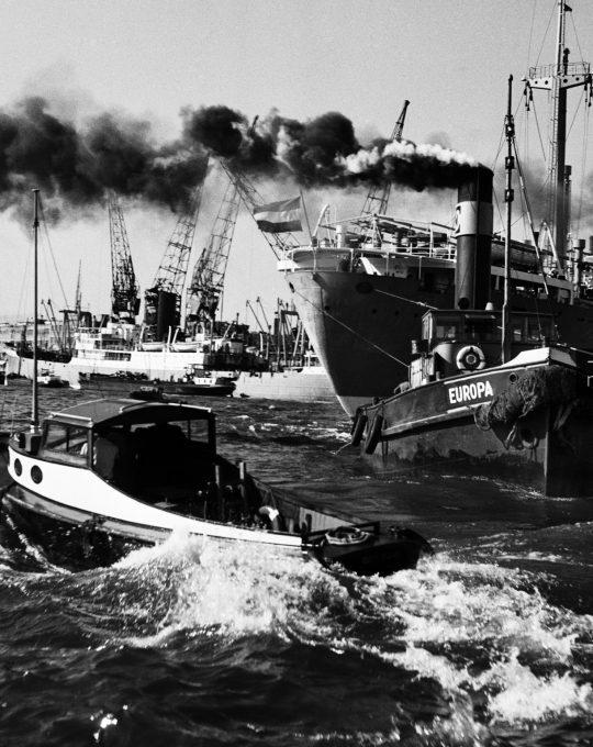 Stoomsleepboot Europa, Cas Oorthuys