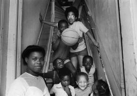 Bekijk én beluister Sterke verhalen uit de rijke collectie van het Nederlands Fotomuseum thuis